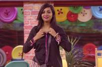 Arshi unzips her top, Puneesh and Akash lech at her in Bigg Boss