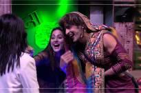 Hiten dons Arshi avatar; Priyank and Hina blasts Vikas in Bigg Boss 11