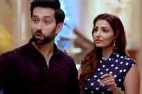 Will Tia succeed in informing Shivaay about the fire breakout amid Holi celebrations in Ishqbaaaz?