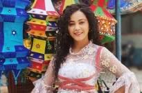 Kaveri Priyam rocks the de-glam look