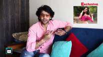 Meet journalist Shashank Vyas, as he interviews co-star Donal Bisht