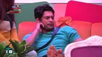 Bad news for the SIDNAAZ fans; Siddharth- Shehnaaz no longer talking