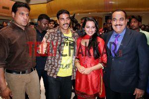 Dayanand Shetty ,Akshay Kumar,Sonakshi Sinha And Shivaji Satam