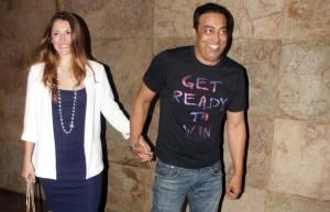 Vindoo Dara Singh with wife Dina
