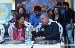 Divyanka Tripathi and Mr Ishu Datwani (Founder, Anmol Jewellers and Owner/Chairperson Pune Anmol Ratn)