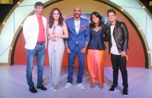 Deepak Rajadhyaksha, Amruta Khanvilkar, Sahil Khattar, Mini Pradhan and Mudassar Khan