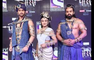 Aditya Redij as Bamani, Rati Pandey as Anusuiya, Amandeep Singh as Shiv Dutt in Porus