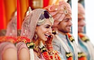 Smriti Khanna looks heavenly during her wedding!