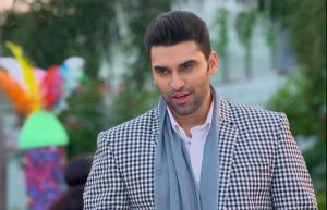 Nikitin Dheer as Dr. Veer in Ishqbaaaz