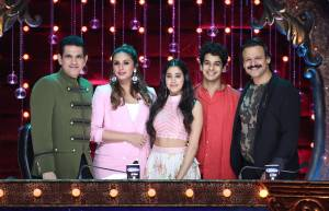 Omung Kumar, Huma Qureshi, Janhvi Kapoor, Ishan Khatta and Vivek Oberoi on the sets of India's Best Dramebaaz