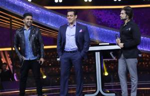Guru Randhawa and Himesh Reshammiya have a blast with Salman Khan on 10 Ka Dum