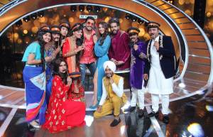 Ranveer Singh and Sara Ali Khan grace the sets of Sa Re ga Ma Pa