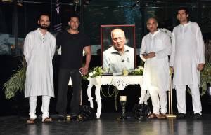 Shri Rajkumar Barjatya's prayer meet at Sahara Star