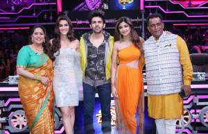 Luka Chuppi star cast visit Super Dancer Chapter 3