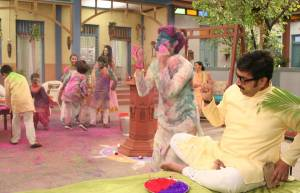 Happu Ki Ultan Paltan celebrates both Holi and Diwali