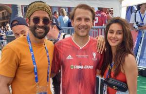 Farhan Akhtar and Shibani Dandekar meet Football legends