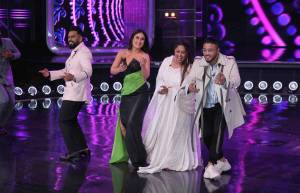 Kareena and Geeta Ma recreate the iconic Bole Chudiya on DID