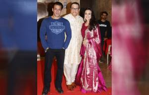 Celebs galore at Ramesh Taurani's Diwali bash