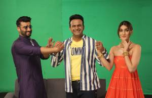 Arjun Kapoor and Kriti Sanon on Zee Tv's Pro Music Countdown