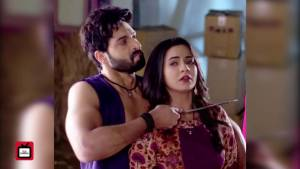 Suraj attempts to murder Chakor in Udann