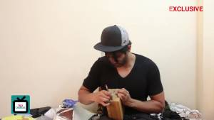 Namik Paul aka Shiv is ecstatic on being pampered by fans - Gift Segment Part 2