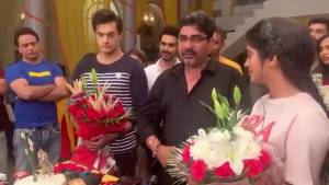 Mohsin-Shivangi celebrate KAIRA's 1000 episode with the cast of YRKKH
