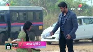 Vidya's life in DANGER I Vivek aka Namish to save Vidya