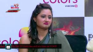 Rashami Desai clears her RELATIONSHIP STATUS in front of the media