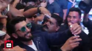 Ranveer chills with fans