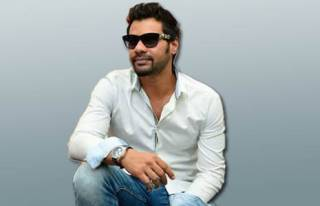 Shabbir Ahluwalia made his bollywood debut with _________ .