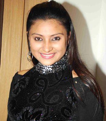 Aleeza Khan
