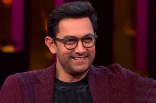 Aamir Khan flies economy, surprises co-passengers