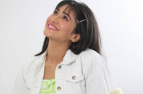 Yeh Rishta Kya Kehlata Hai's Shivangi Joshi's latest HAPPY photo will make you SMILE