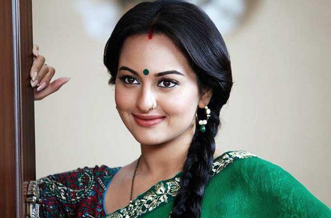 Will Sonakshis Wet Sari Heat Up Things In Rrajkumar