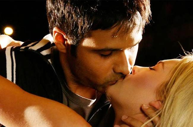 Emraan hashmi hot kiss scene