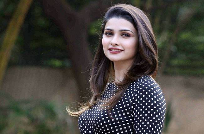 686a8d80e4 Role in 'Azhar' will be challenging: Prachi Desai