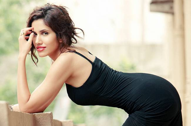 Sonnalli Seygall Wiki Biography Measurements BF Lifestyle Height Age