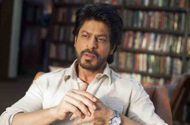 Shah Rukh Khan reveals reason behind not signing any movie