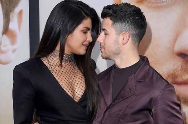 Priyanka Chopra Celebrates Jonas Brothers' MTV Video Music Awards Win!