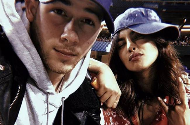 Nick Jonas, Priyanka Chopras first ever picture together wins hearts