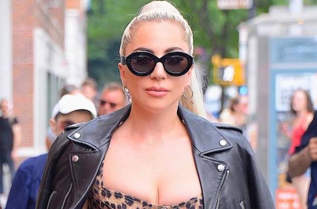 Lady Gaga Shares Makeup-Free Selfie That Has Fans In Awe