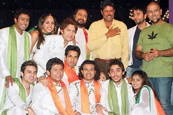 Kapil Dev weeps on Sa Re Ga