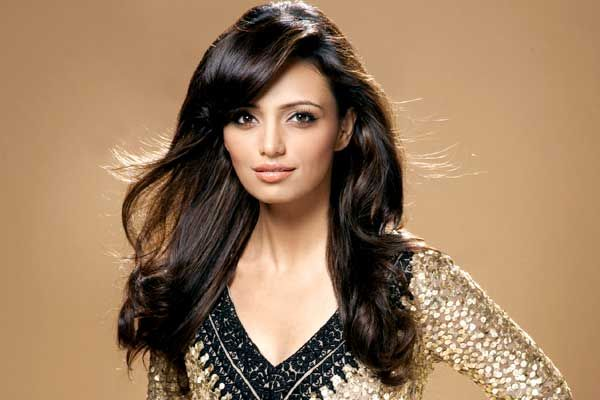 roshni chopra husband