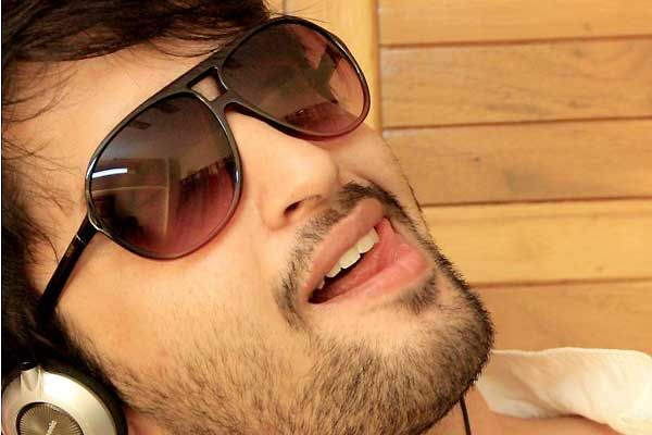 What is shaheer sheikh watching on the small screen reheart Gallery