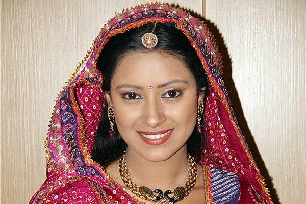 Sonal Jha Balika Vadhu Behind balika vadhus - pratyusha