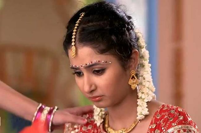 Life OKs Gustakh Dil Produced By Ravi Ojha Productions Has Seen The Dramatic Sequence Wherein Village Bred Laajo Sana Sheikh Been Married Off To