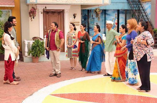 Youngistaan actors visit Taarak Mehta's Gokuldham Society