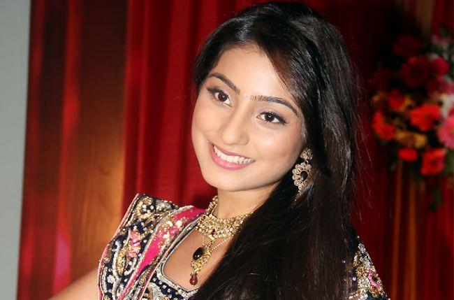 Urmi to get pregnant in Zee TV's Doli Armaanon Ki