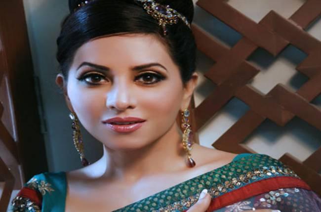 Mreenal deshraj to play a fashion diva in life ok s chamak - Fashion diva tv ...