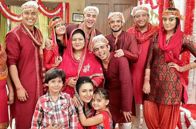Yeh Hai Mohabbatein cast to jet off to Paris?
